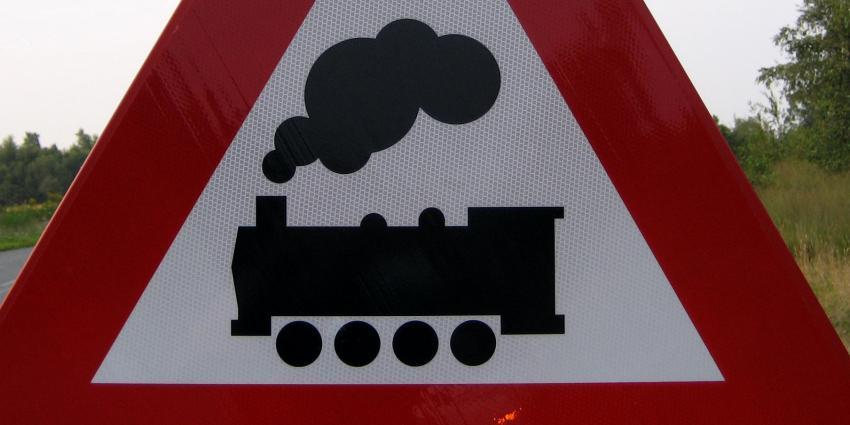 Honderden werkloze werkten aan trein met gifverf