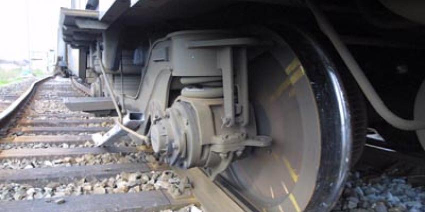 Foto van onderstel ontspoorde trein | Archief EHF