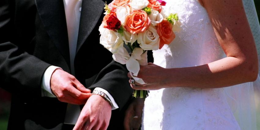 Minder mensen stappen in huwelijksbootje