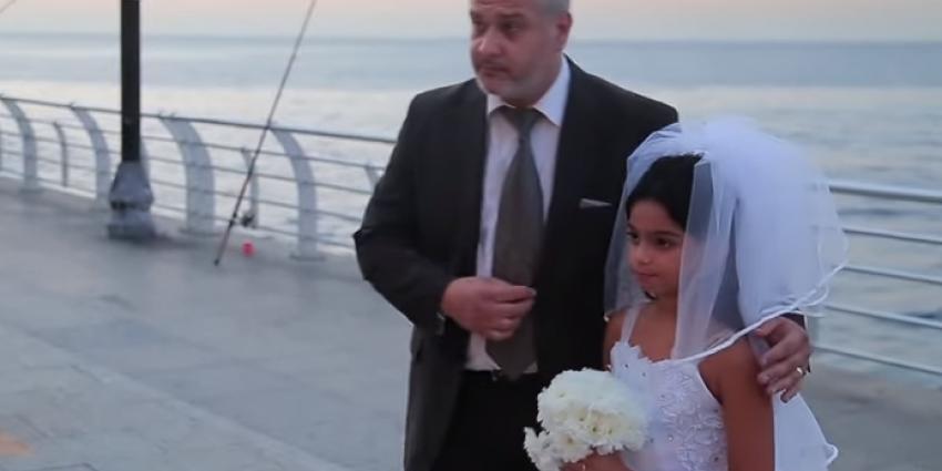 Meisje (12) trouwt met veel oudere man