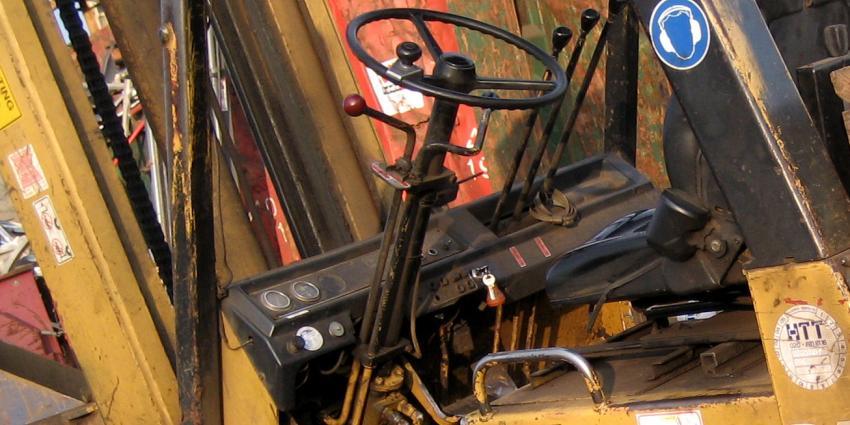 Man overleden na ongeval met heftruck in Bergen op Zoom