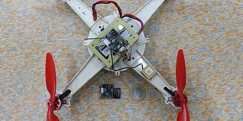 Kleinste vliegende robot ter wereld door TU Delft gebouwd