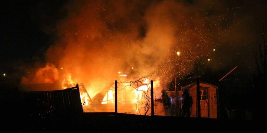 Tuinhuisje afgebrand volkstuinencomplex Schiedam