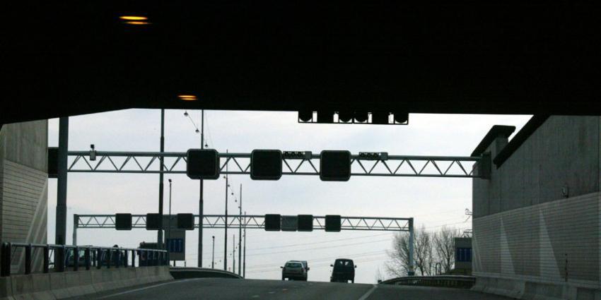 Klapband oorzaak dodelijke brand Heinenoordtunnel