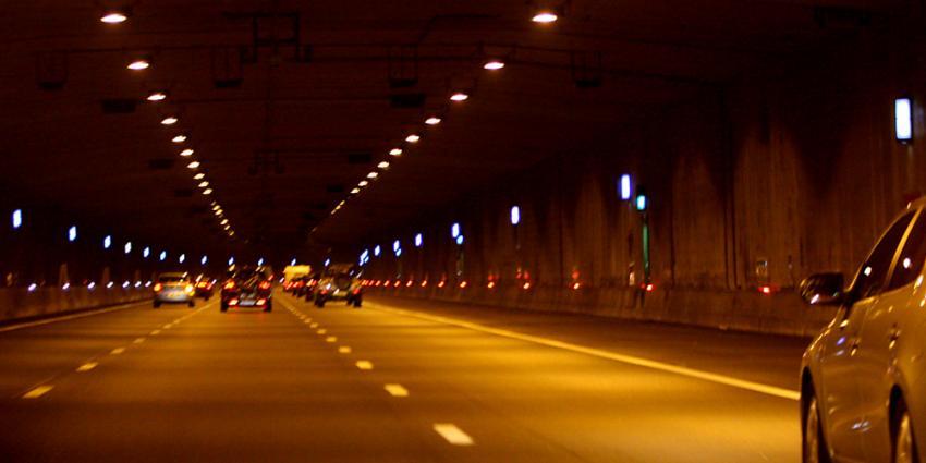 De Velsertunnel in de A22 is zaterdagochtend niet open gegaan.