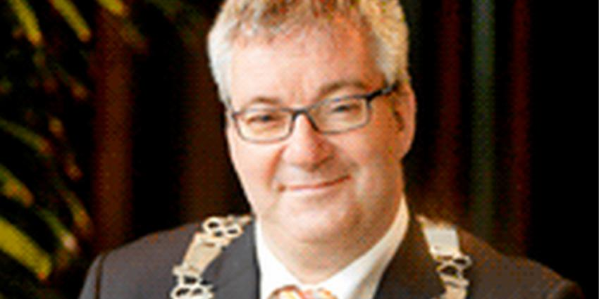 OM doet niets met aangifte gemeente Laarbeek tegen burgemeester Ubachs