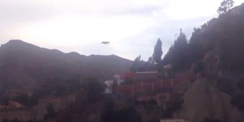 Ufo boven gebergte in Bolivia gespot