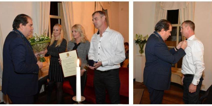 Vierde brandweerman De Punt onderscheiden met gemeentelijke erepenning