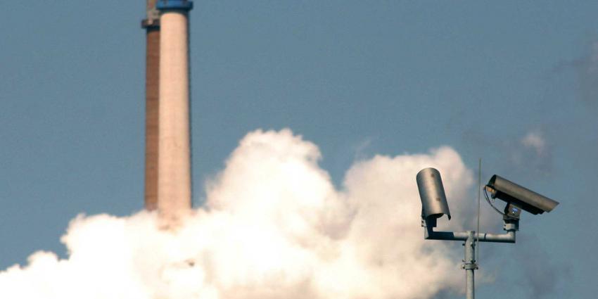 uitstoot-schoorsteen-camera