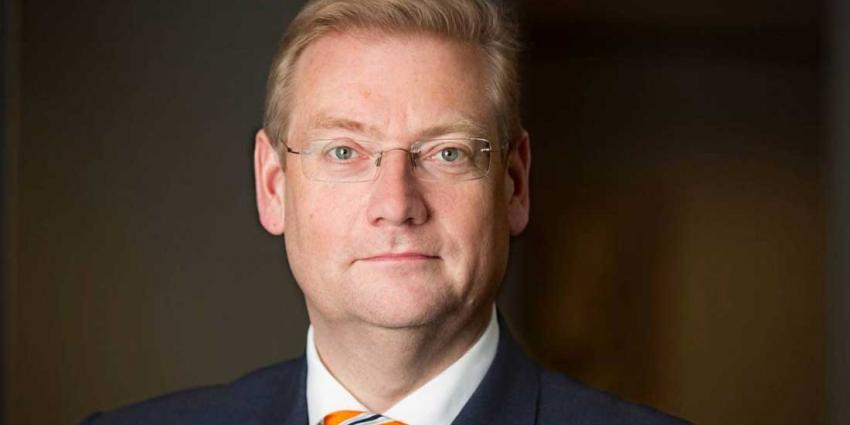 Van der Steur:'verwijt mijzelf dat ik niet eerder een grens heb getrokken'