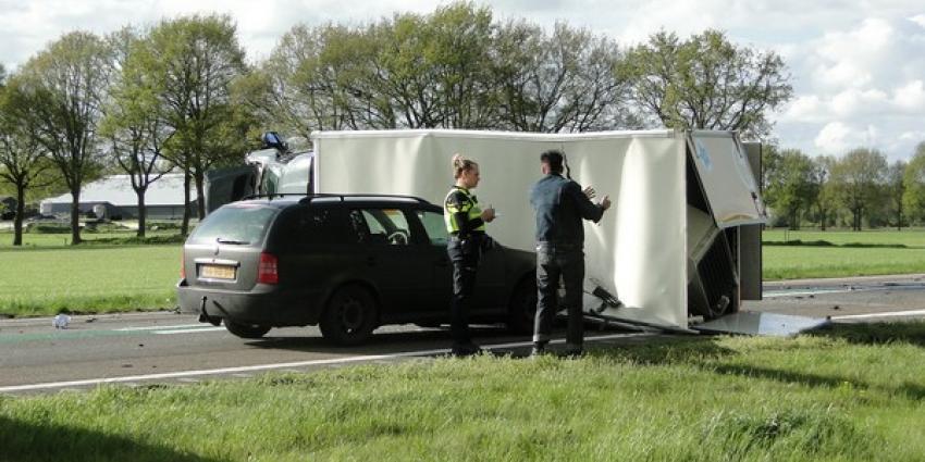 Vrouw (59) komt om het leven bij frontale botsing bij Drentse Zuidwolde
