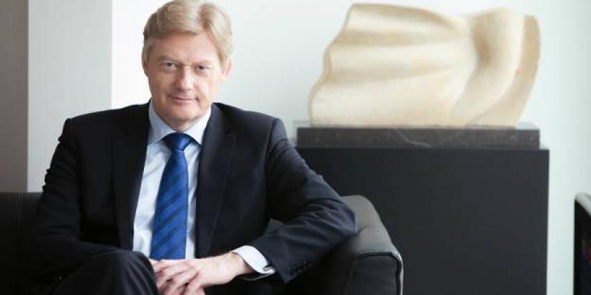 Mies Bouwman, Claudia de Breij en Van Rijn tekenen Health Deal Het Dorp