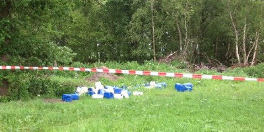 Vijftig vaten met chemisch afval gedumpt Wachtum