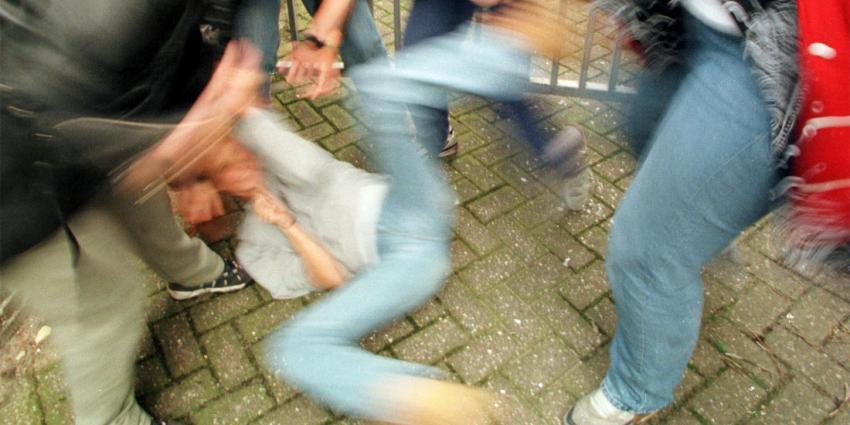 Drie mannen door drie mannen ernstig mishandeld in Vlissingen