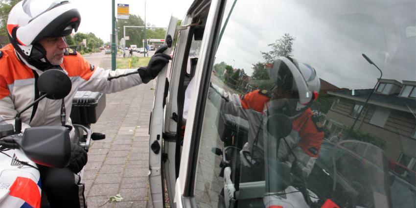 Politiecontrole levert tas op met 300.000 euro
