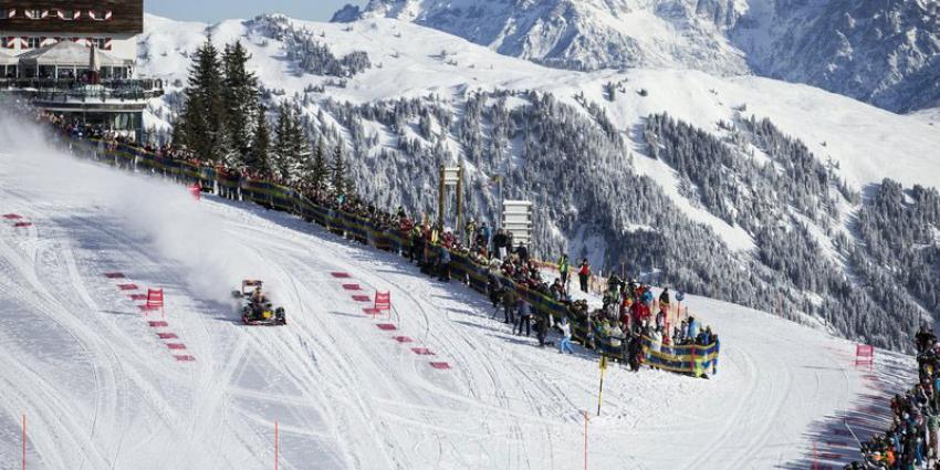 Max Verstappen met sneeuwkettingen om F1 op de piste