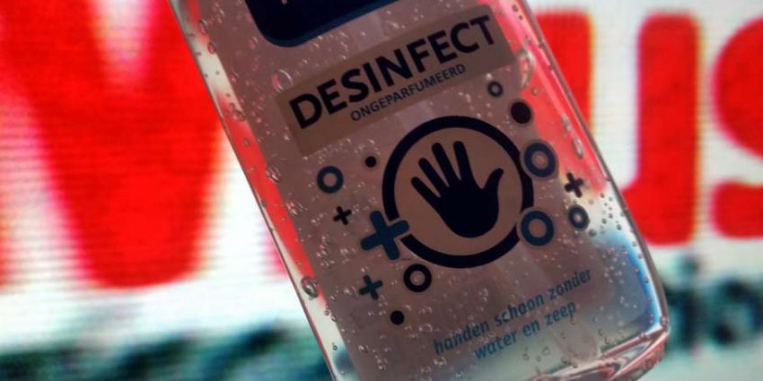 Schappen met desinfecterende handgels drogisterijen raken leeg