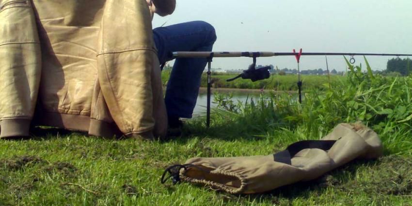 Vissers en schipper beboet bij milieucontroles in De Waarden