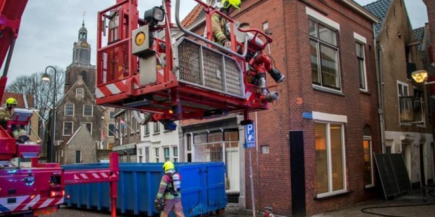 Brand in binnenstad Vlaardingen laait weer even op