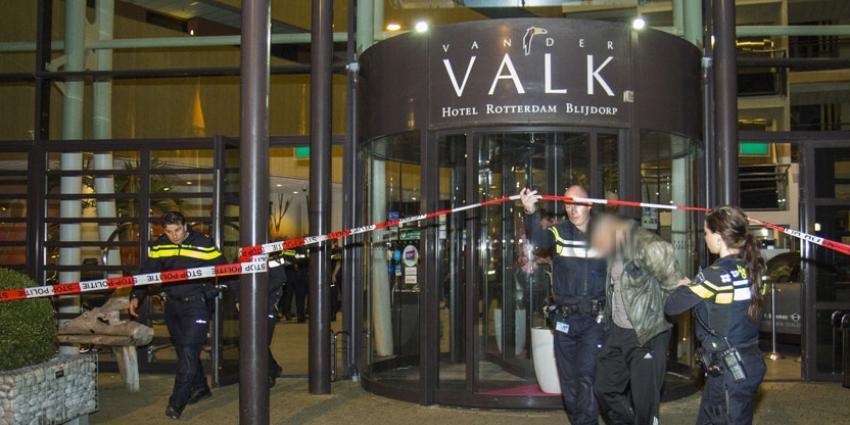 Schoten gelost bij massale vechtpartij Van der Valkhotel Rotterdam: 20 arrestaties