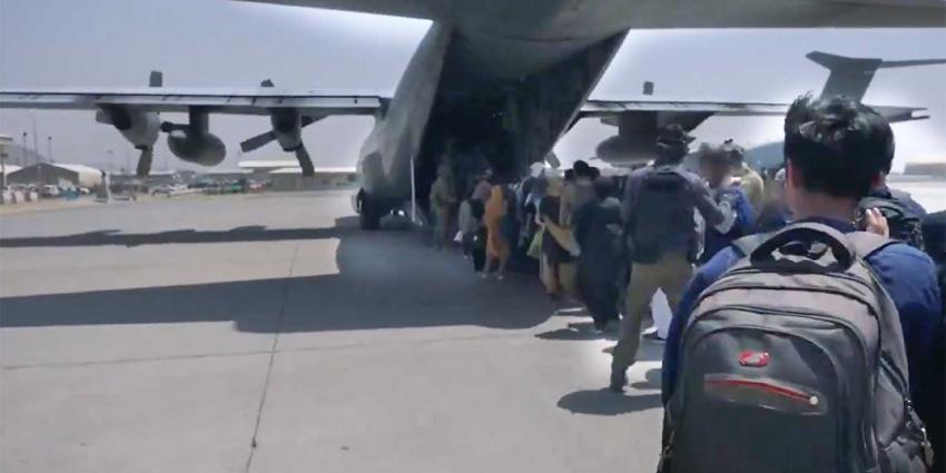 vliegtuig-evacuatie-afghanistan-defensie