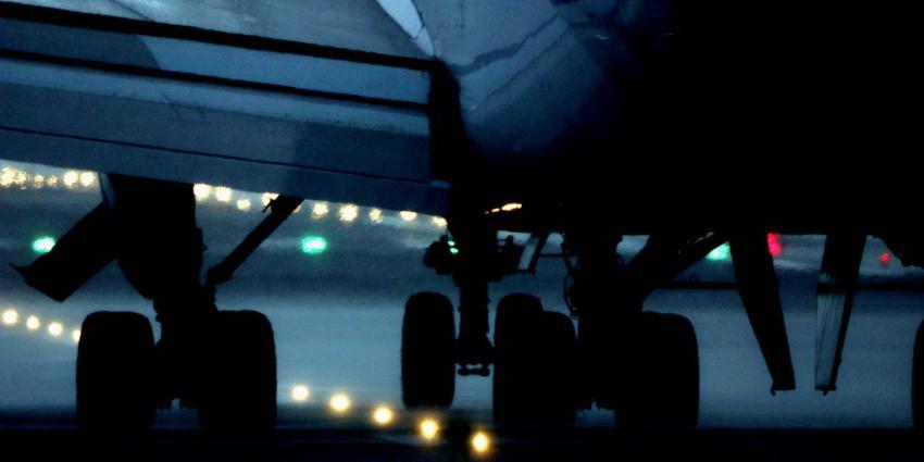 Vliegtuig na start terug naar Schiphol, 15 passagiers onwel