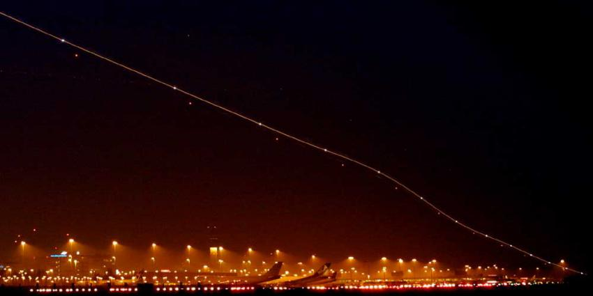 vliegtuig-nacht-donker-schiphol