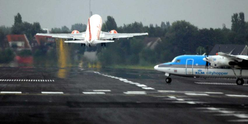 Schiphol breekt record aantal starts en landingen op één dag