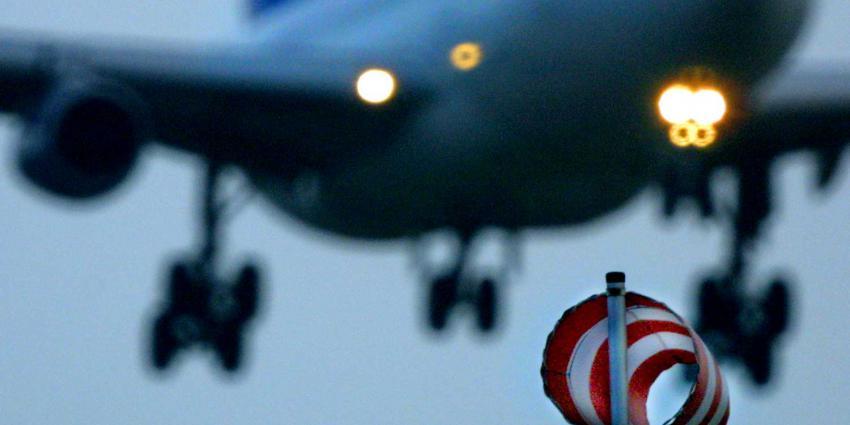 vliegtuig-storm-schiphol