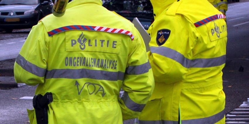 Dode bij fataal verkeersongeval auto en vrachtwagen Friesland