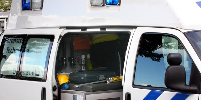 Hoogbejaarde vrouw op fiets overleden bij aanrijding met vrachtwagen