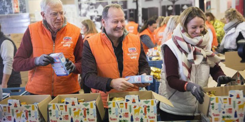 Recordaantal van 35.000 kerstpakketten ingepakt voor de voedselbanken