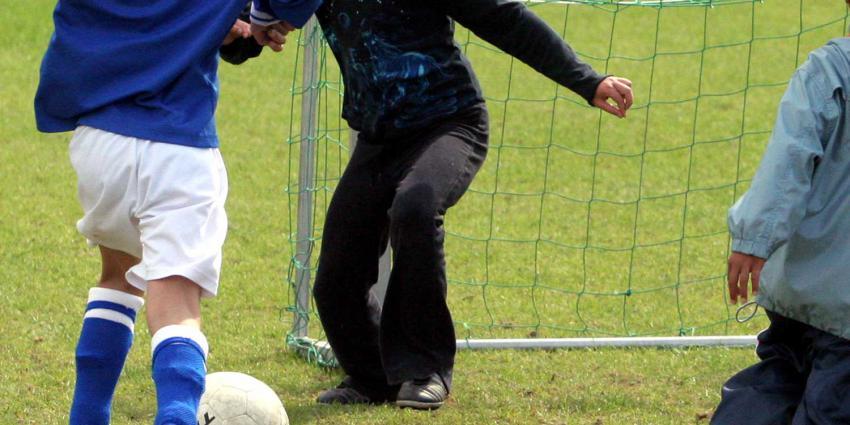 voetbal-meisje-vrouw
