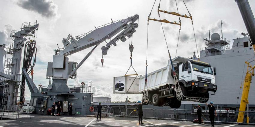 Nederland stuurt grootste marineschip vol hulpgoederen naar Caribisch gebied