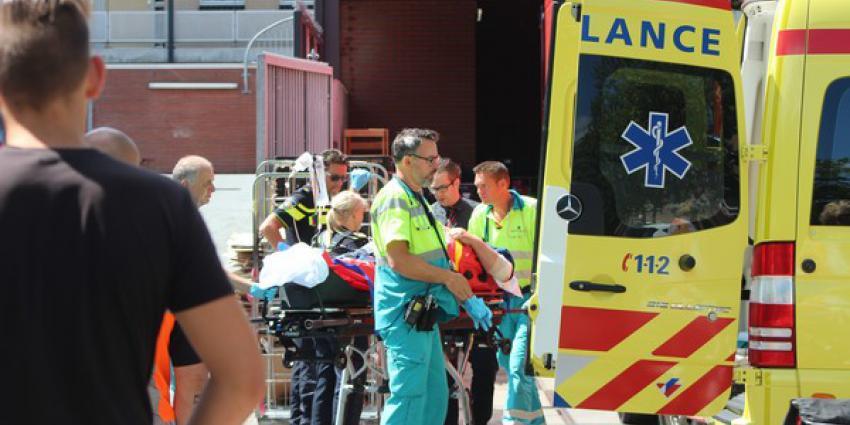 Vrachtwagenchauffeur gewond tijdens lossen van vrachtwagen