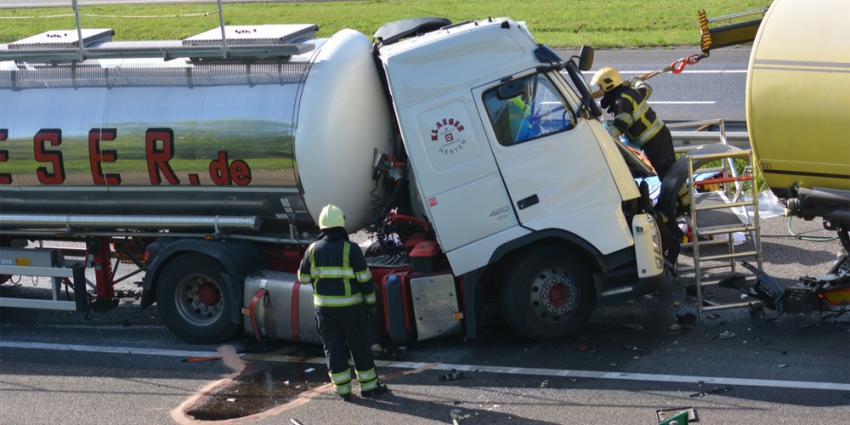 Drie vrachtwagens betrokken bij aanrijding op A67 Gelderop