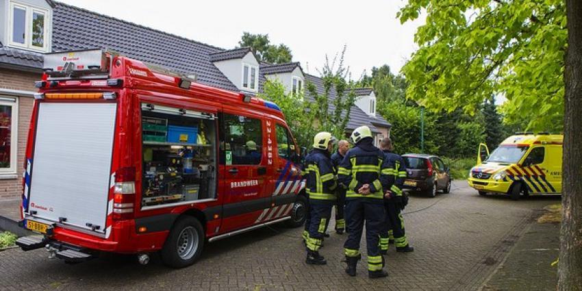 Hoogbejaarde vrouw vat vlam door kaars in woning in Son en Breugel