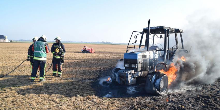 Tractor brand uit in het Drentse Tiendeveen