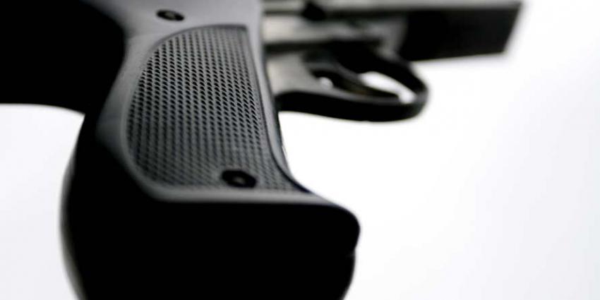17-jarige jongen aangehouden voor tonen vuurwapen