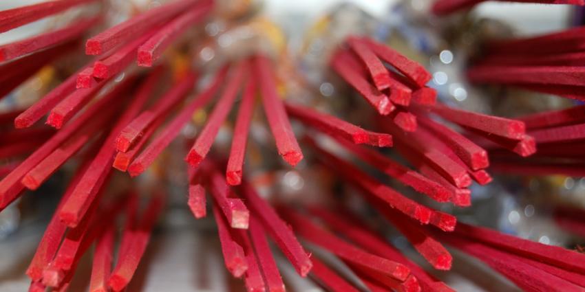 Man heeft 78 kilo illegaal vuurwerk in huis