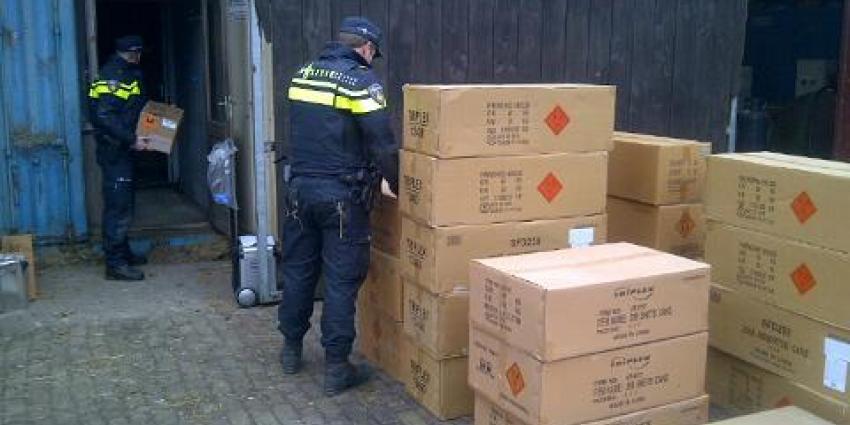 Politie vindt 8000 kilo illegaal vuurwerk