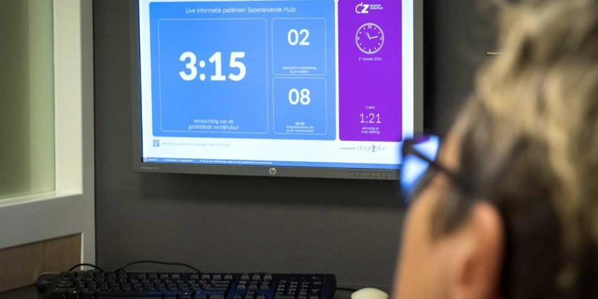 Spoedpatiënt Deventer Ziekenhuis ziet verblijf- en wachttijd vanuit bed