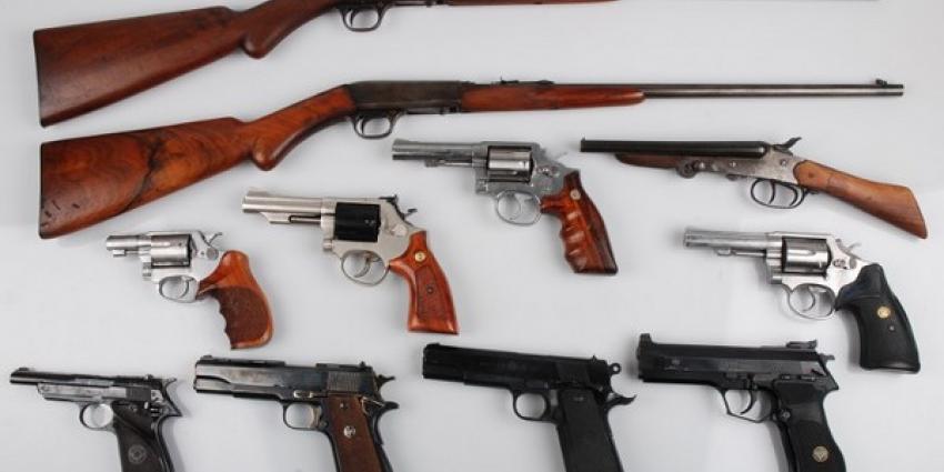 Zestig vuurwapens gevonden in Amsterdamse liquidatieonderzoeken