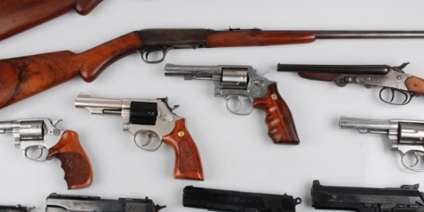 Tot negen jaar celstraf geëist voor wapenhandel
