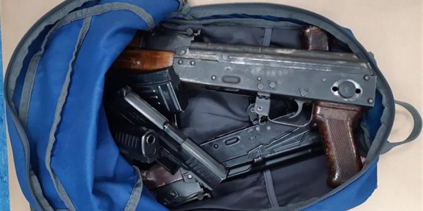 300 kilo cocaïne en Kalasjnikovs onderschept
