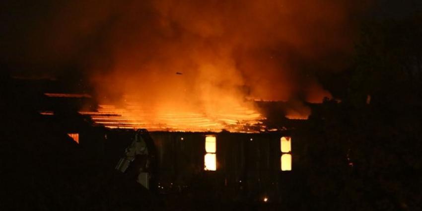Grote brand in Wateringen verwoest loods afvalverwerker