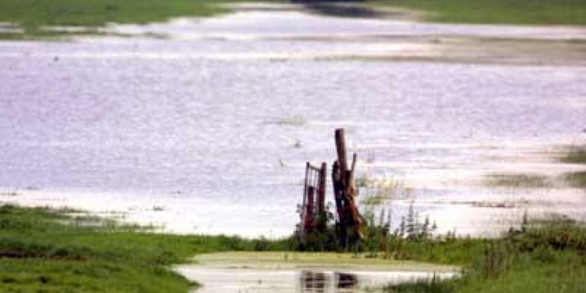 Monument in Ochten onthuld voor noodevacuatie hoogwater in 1995