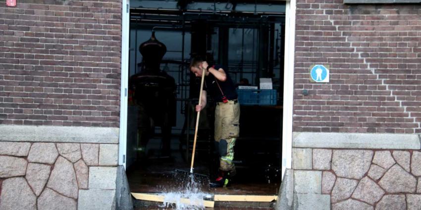 Flinke waterlekkage in bedrijfspand