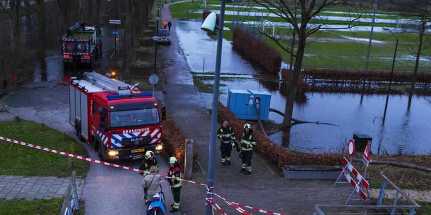Sportpark onder water door problemen met klep in duiker