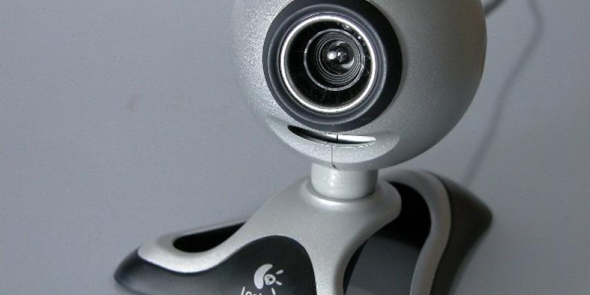 Agent onslagen wegens webcamseks